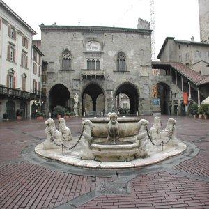 fontana bergamo (FILEminimizer)